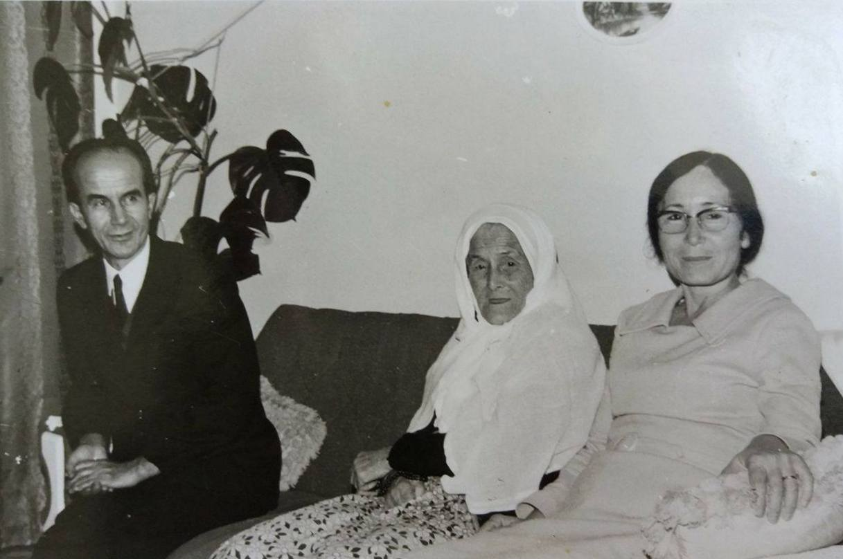 Selvet, Ahmet, Aci-Melek